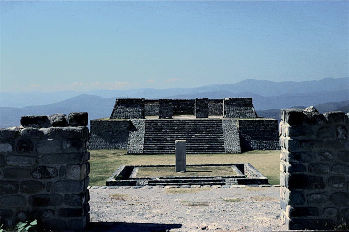Xochicalco, Mexico  photo © Thomas Deckker 1997